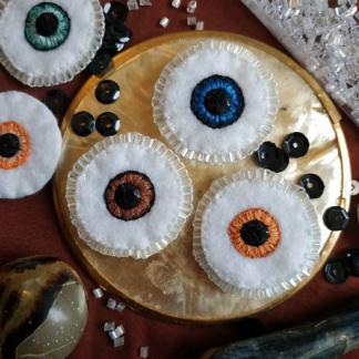 Broches oeil de coton